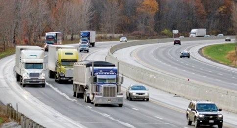 110522_truck_traffic_ap_328