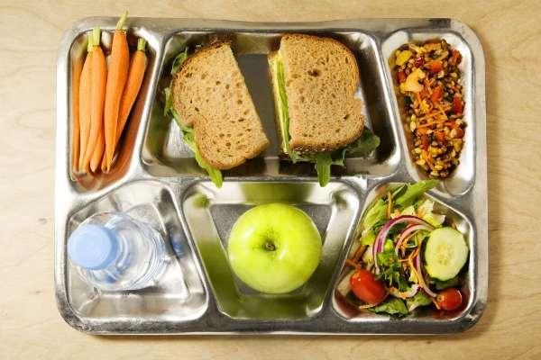 school-lunch(2)