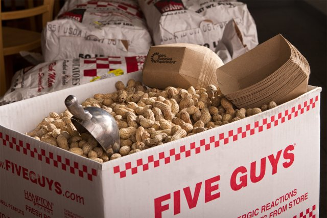 20120305-five-guys-peanuts-01