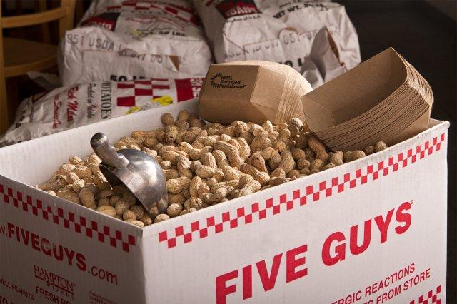 20120305-five-guys-peanuts-01